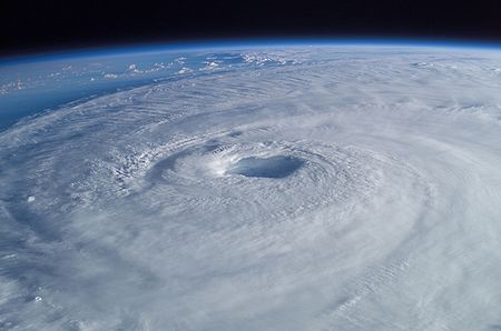 450px-Hurricane_Isabel_from_ISS